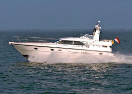 Atlantic 460, une vedette hollandaise rapide et confortable.