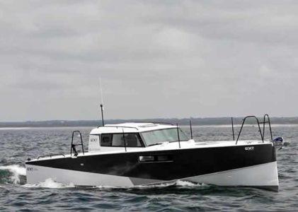 Loxo 32, le bateau à moteur économique en carburant